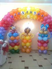 оформление праздников шариками, живыми цветами