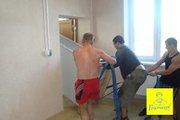 Приглашаем здоровых мужчин на работу грузчиками.