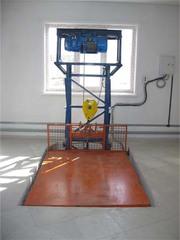 Грузовой подъемник ТИТАН консольный для фабрик